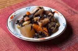 野菜ひじきの皿盛例
